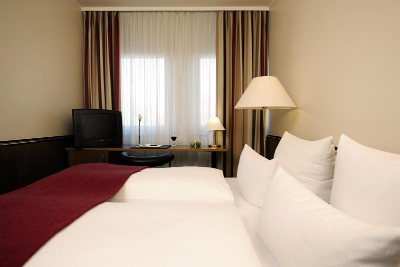 Hotelzimmer mit Spielplatz im NH Hotel München City Süd