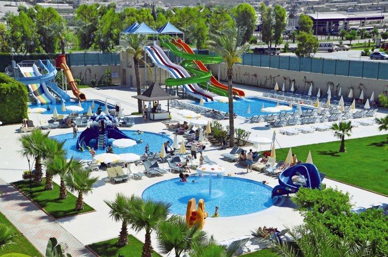 Royal Garden Suit Hotel 545 Bewertungen - Bild von 5vorFlug
