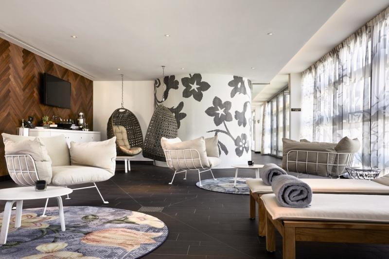 Hotelzimmer mit Massage im Kameha Grand Zurich, Autograph Collection