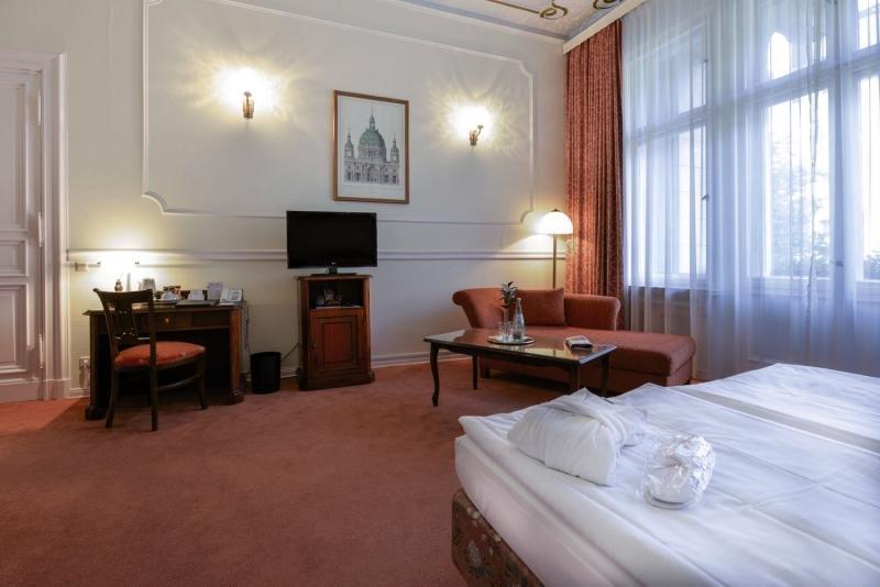 Hotelzimmer mit Fitness im Henri Hotel Berlin Kurfürstendamm