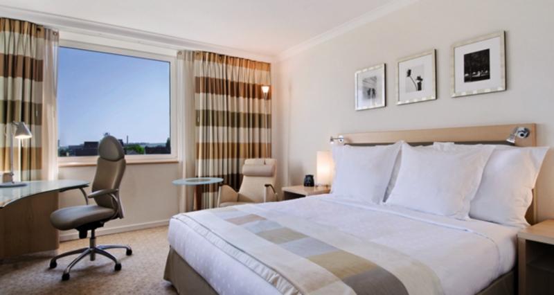 Hotel Hilton Düsseldorf günstig bei weg.de buchen - Bild von 5vorFlug