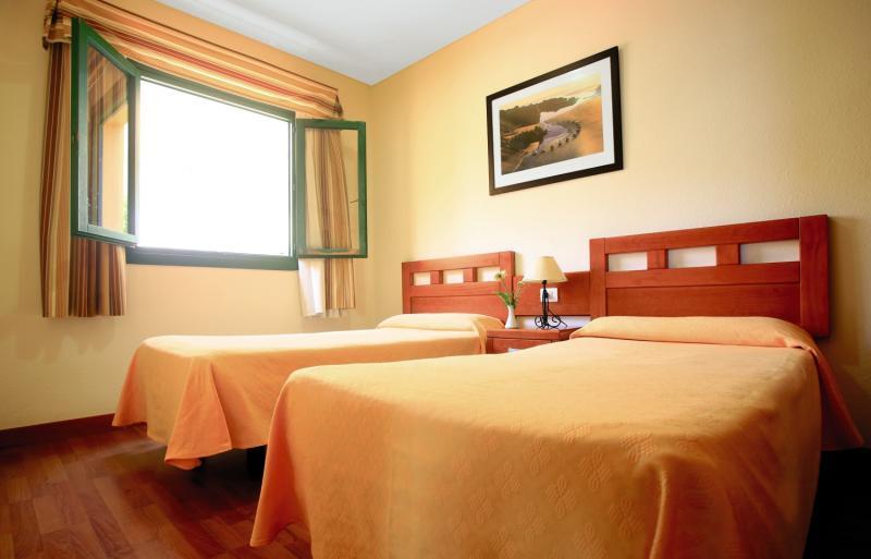 Hotelzimmer mit Tennis im Apartamentos Oasis Mango