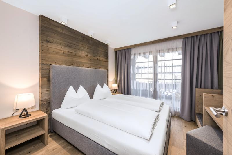 Hotelzimmer im Puradies günstig bei weg.de