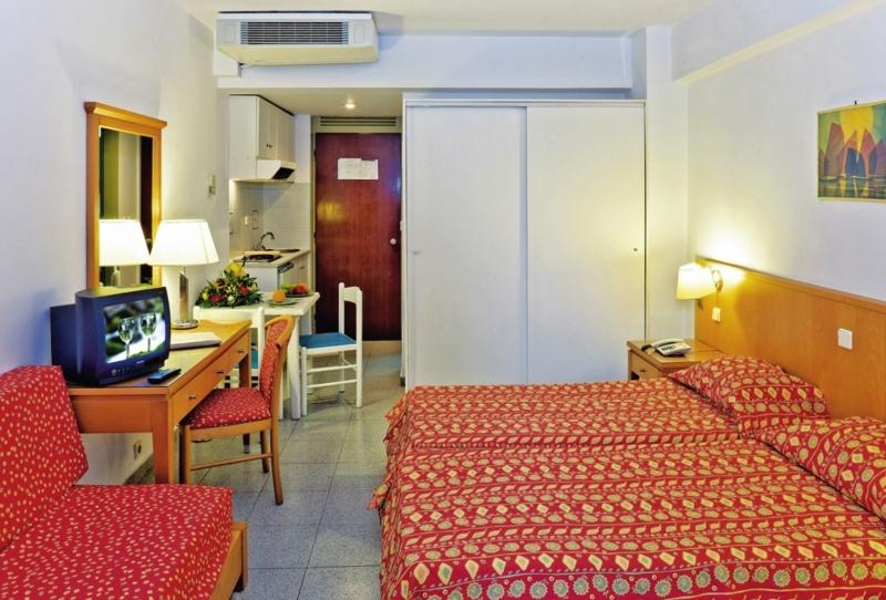 Hotelzimmer im Hotel Athena günstig bei weg.de