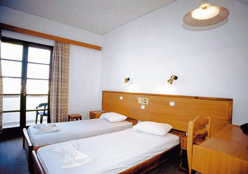 Hotelzimmer im Hotel Hermes günstig bei weg.de