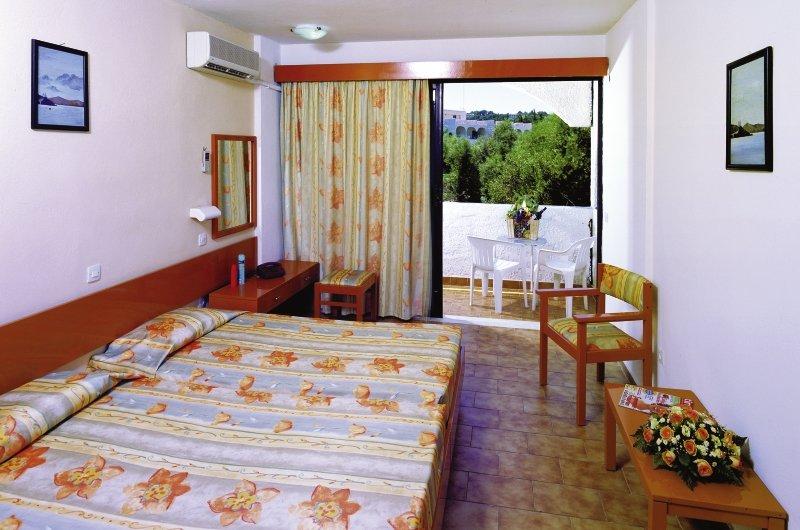 Hotelzimmer im Evi Hotel günstig bei weg.de