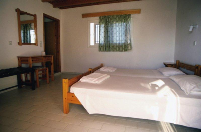 Hotelzimmer im Hotel Varelis günstig bei weg.de