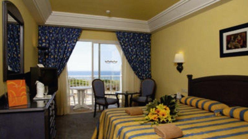 Hotelzimmer im ClubHotel Riu Chiclana günstig bei weg.de