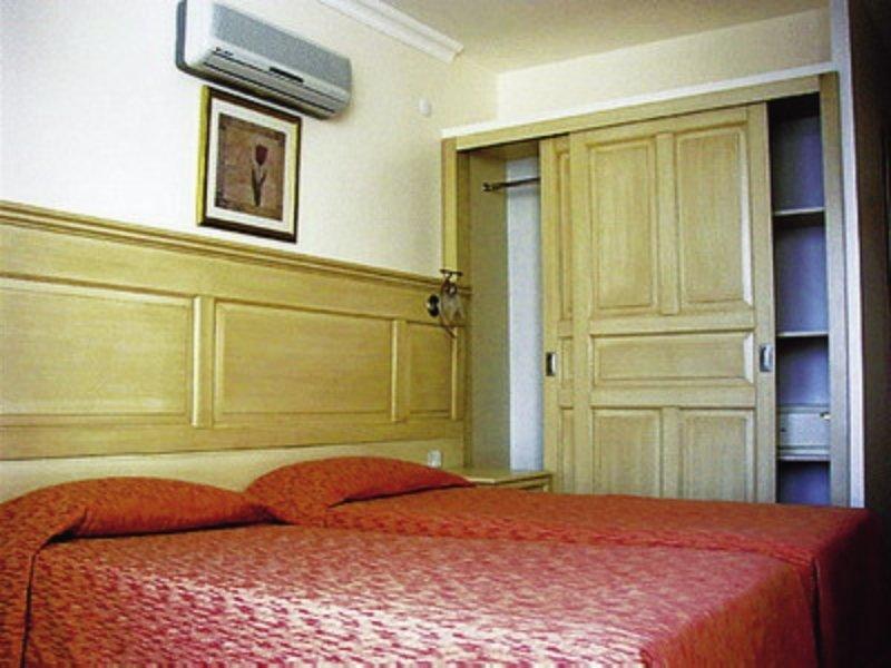 Hotelzimmer mit Paddeln im Marbas