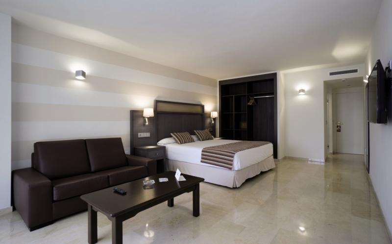 Hotelzimmer mit Golf im MS Aguamarina Suites