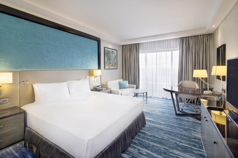 Hotelzimmer mit Fitness im Radisson Blu Hotel & Resort, Al Ain