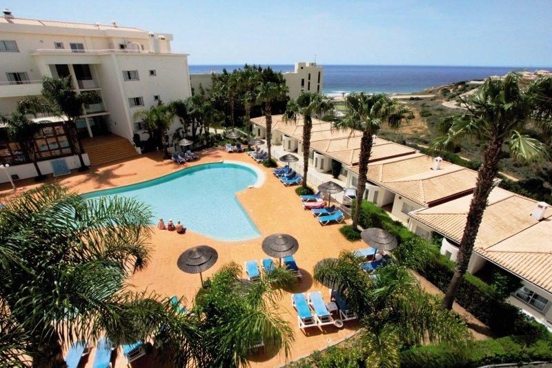 Hotel Vila Mós günstig bei weg.de buchen - Bild von 5vorFlug