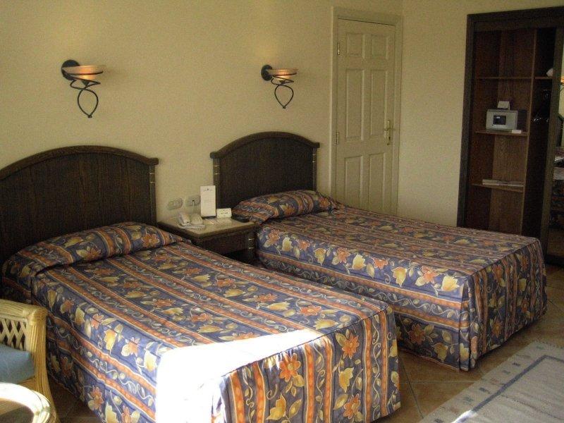 Hotelzimmer im Coral Beach Resort Montazah günstig bei weg.de