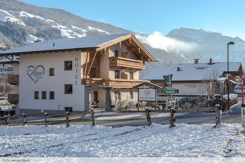 Hotel Landhaus Alpenherz 28 Bewertungen - Bild von Snowtrex